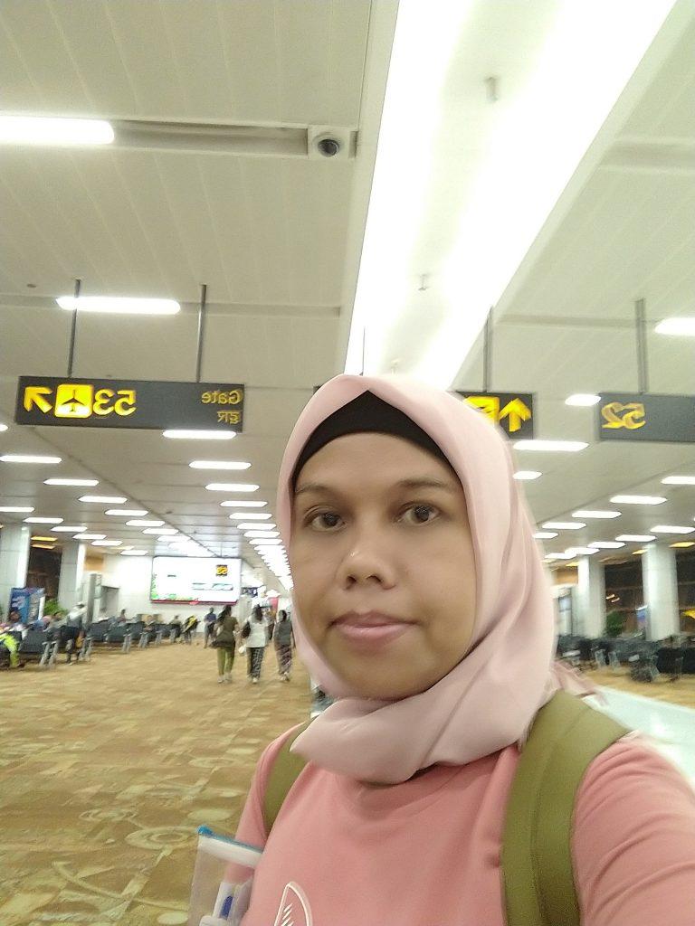 Pengalaman Menginap semalam  di Airport Indira Gandhi India
