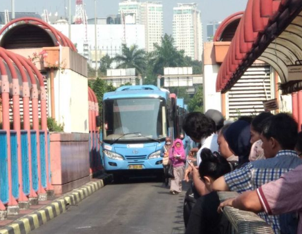 Jurusan Bis Jalur Tiga Terminal Blok M Jakarta