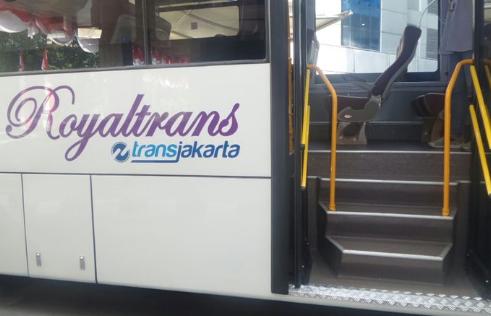 Jurusan Bus Royaltrans Kuningan Cinere Membantu Warga Tangsel
