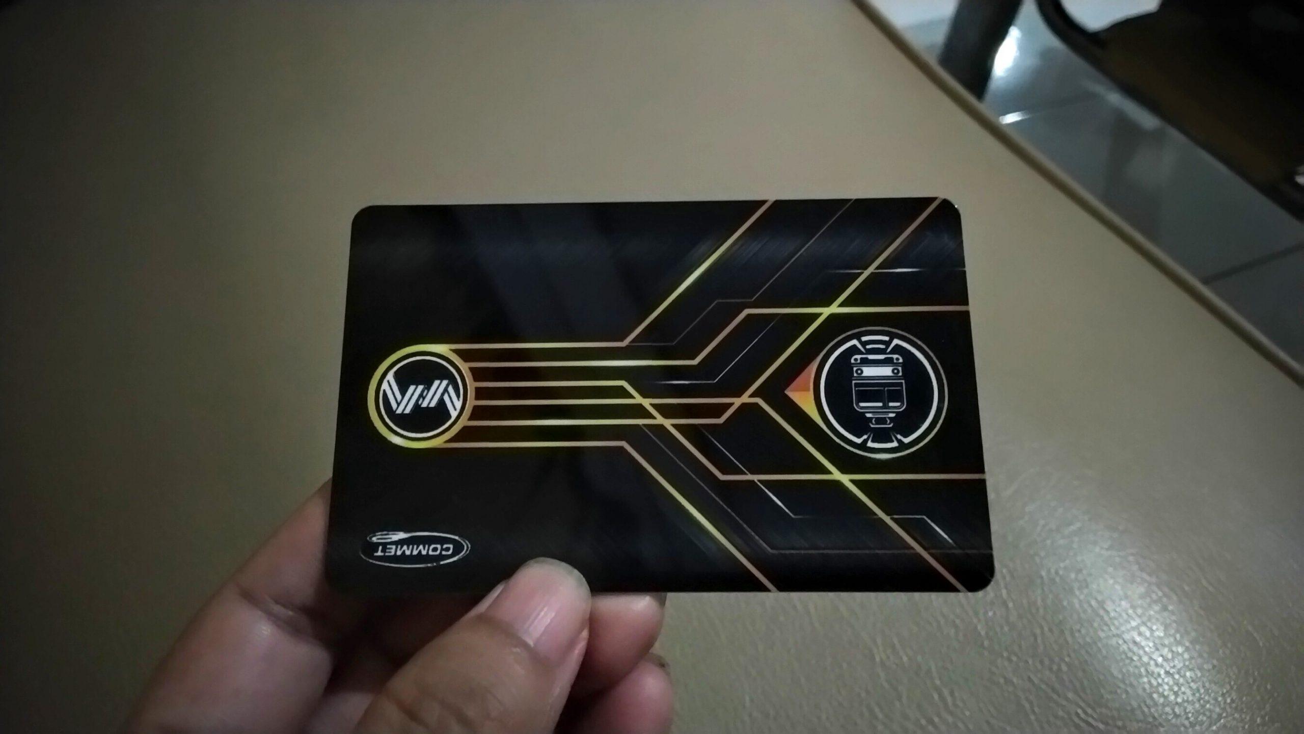 Naik KRL dengan Kartu Terbaru di Stasiun Sudirman