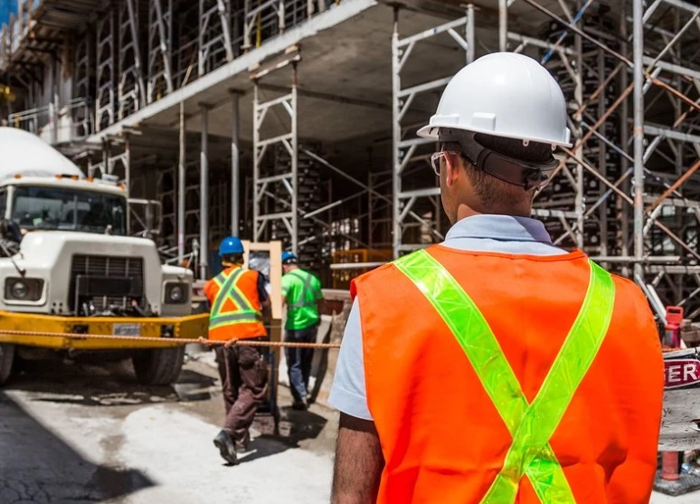 Mengurus Visa Kerja Oman, Apa saja Syaratnya ?
