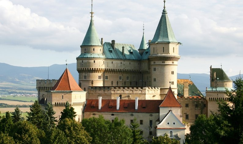 Mengajukan Visa Kerja di Slovakia, Gimana syaratnya ?